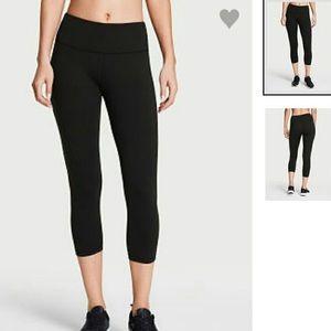 Victoria's Secret Pants - VS Sport Crop Leggings
